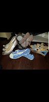 Отдается в дар Три пары обуви женской 40 размер