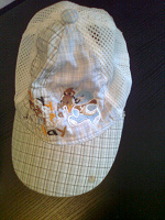 Отдается в дар очень детская шляпка-кепка