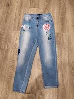 Отдается в дар джинсы с рисунком