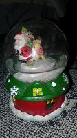 Отдается в дар Новогодний снежный шар с подсветкой