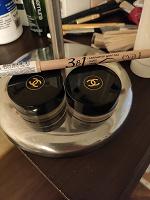 Отдается в дар Кремовые тени Chanel и карандаш-хайлайтер Eva