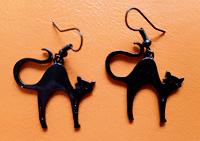 Отдается в дар Серьги — черные кошки.