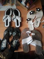 Отдается в дар 4 пар обуви.сандали/шлепанецы/вьетнамки
