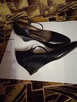 Отдается в дар женская обувь туфли и ботинки