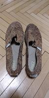 Отдается в дар Женская обувь, размер 39-40