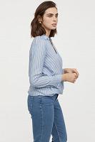 Отдается в дар голубая блузка 48