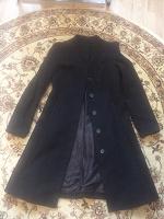 Отдается в дар Демисезонное женское пальто, 44