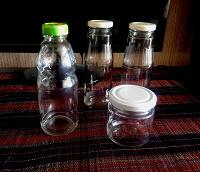 Отдается в дар Маленькие стекляные бутылочки и баночка