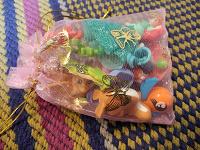 Отдается в дар кучка игрушек из киндеров.