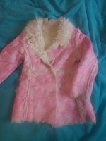 Отдается в дар Пальто на девочку 2-4 года.