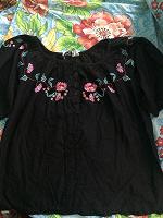 Отдается в дар Блузка с вышивкой на 48 размер.