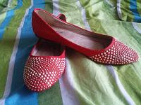 Отдается в дар Красные черевички на Золушку-переростка. 40-41рр.