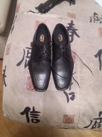 Отдается в дар 2 пары мужских ботинок