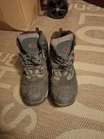Отдается в дар Зимние кроссовки 38 размер