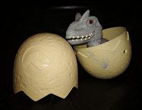 Отдается в дар Динозавр в яйце из Макдоналдс