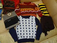 Отдается в дар мужские свитера и шарфы