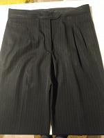 Отдается в дар Классические женские брюки 46р.