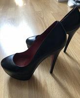 Отдается в дар Женские туфли 38 размера Elmonte