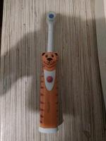 Отдается в дар Детская зубная щетка + новые насадки