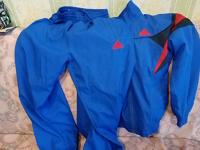 Отдается в дар Спортивный костюм адидас на 134