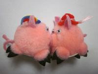 Отдается в дар Сувенир-мягкая маленькая игрушка «Парочка в шляпах» — «Пустячок, а приятно»