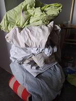 Отдается в дар Постельное белье, полотенца и одеяло