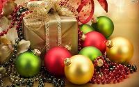 Отдается в дар Новогодний подарок под ёлку (игрушка +конфеты)