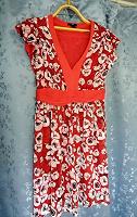 Отдается в дар Платье с маками 46-48 H&m