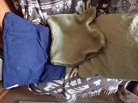 Отдается в дар Две декоративные подушки из искусственного меха