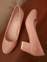 Отдается в дар Туфли женские 35 размер