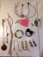 Отдается в дар Сережки, браслеты, подвески, брошь, брелок
