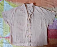 Отдается в дар Блуза женская. р. 50-52.