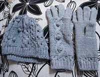 Отдается в дар Шапки, перчатки, шарфы