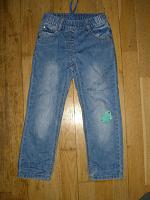 Отдается в дар джинсы на 4 года