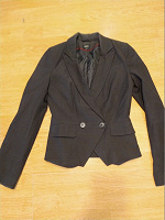 Отдается в дар женский пиджак 40-42