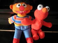 Отдается в дар Мягкие игрушки — герои «Улицы Сезам»