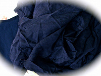 Отдается в дар Темно синий крепдешин, крой и куски