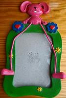 Отдается в дар фото рамка детская, расчёска игрушка