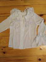 Отдается в дар блузка белая 6-7лет