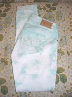 Отдается в дар Женские цветные джинсы