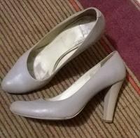 Отдается в дар туфли 39