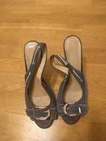 Отдается в дар Женская обувь 40-41