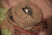 Отдается в дар огромный теплый шарфф новый