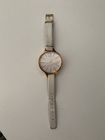 Отдается в дар Часы ручные (с трещиной и под замену батарейки)