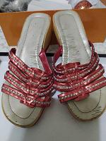 Отдается в дар Летняя обувь 37 р
