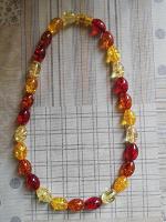 Отдается в дар Ожерелье из искусственного янтаря