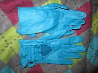 Отдается в дар Мягкие голубые перчатки