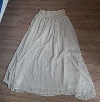 Отдается в дар Белая и черная юбки 48-46р