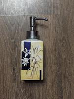 Отдается в дар Денспенсер для мыла.