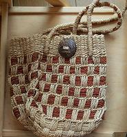 Отдается в дар сумка плетеная небольшая
